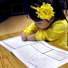 Despite being born without hands, first grader Annie Clark of Pennsylvania's Wilson Christian Academy recently won the Nicholas Maxim Special Award for Excellent Penmanship which is part of the Zaner-Bloser Annual National Handwriting Contest. Annie Clark, Seven Years Old, Special Needs Kids, Penmanship, 7 Year Olds, Pro Life, Handwriting, Good News, Awards