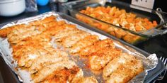 """Meal prep for bodybuilding: One of the biggest """"secrets"""" to getting consistent muscle gains every week is prepping your meals ahead of time. Here's how to cook a week's work of muscle-building food in less than an hour."""