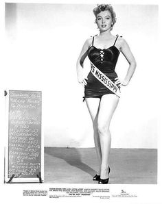 """Marilyn Monroe posing for a costume fitting for the film """"We're Not Married. Costume Marilyn Monroe, Marilyn Monroe Swimsuit, Marilyn Monroe Hair, Marilyn Monroe Fotos, Old Hollywood Stars, Vintage Hollywood, Hollywood Glamour, Hollywood Actresses, Marilyn Film"""
