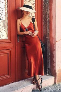 Slip Into Summer   Slip Dress   Red Dress   Silk Dress   Summer Trends   Summer Style   Date Night Outfit   What to Wear   Visit Travelshopa