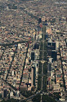 El skyline de Paseo de la Reforma (2) by Hotu Matua