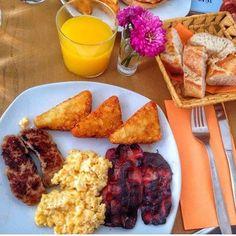 Vaya brunch! Come  brunch at Carmencita or @lagringamadrid - Gracias @conalioli #repost by carmencita.bar