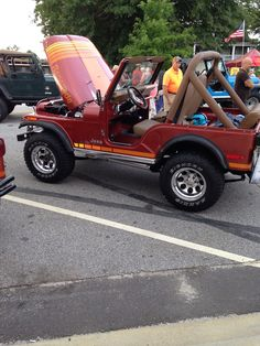 Jeep CJ5 with a 401 motor. Sweet:)