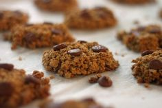 Flour-Free Oatmeal Chip Cookies