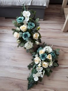 Vence, All Souls, Funeral, Floral Wreath, Wreaths, Flowers, Home Decor, Floral Arrangements, Decoration Home