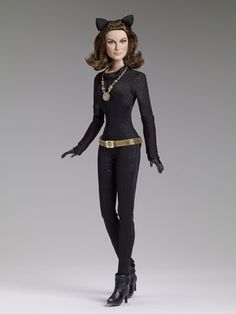 CATWOMAN 1966 - Sold Out! | Tonner Doll Company