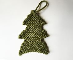 How to knit a little Xmas tree with bobbles