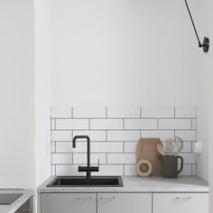 This impossibly small kitchen is so cute (by Minna Jones)