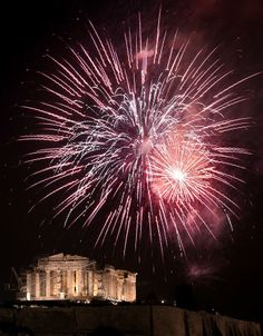 The World Celebrates New Year S Eve New Years Eve Fireworks Best Fireworks Fireworks
