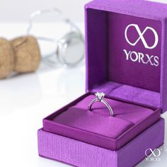 Beautiful engagement rings on our website #yorxs #verlobungsring #diamantring