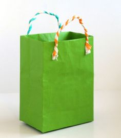 turn-gift-wrap-to-gift-bags-apieceofrainbowblog (17)