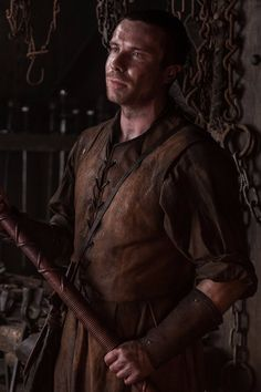 Big ol' Game of Thrones spoilers below! There are a ton of Game of Thrones theories that aren't always believable (looking at you, Catelyn Stark's ghost), but Gendry Game Of Thrones, Game Of Thrones Facts, Got Game Of Thrones, Game Of Thrones Quotes, Game Of Thrones Funny, Stranger Things, Get Instagram, Instagram Posts, Joe Dempsie