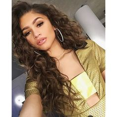 Zendaya Shares Her Tips for Taking a Flattering Photo Every Time ❤ liked on Polyvore featuring hair, people, hairstyles, girls and zendaya