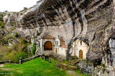 Ermita de San Bernabé - Ojo Guareña - Las Merindades - Burgos - Places In Spain, Places To See, Wonderful Places, Beautiful Places, Travel Around The World, Around The Worlds, Aragon, Spain And Portugal, Spain Travel