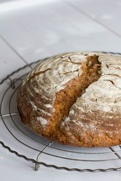 Bread Pit, Pan Bread, Bread Baking, Sourdough Bread, Bread Rolls, How To Make Bread, Bread Recipes, Good Food, Food And Drink