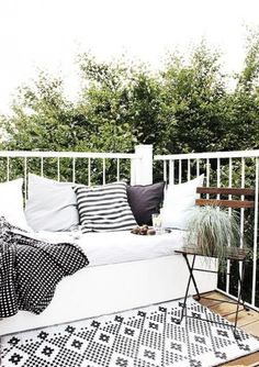 ComfyDwelling.com » Blog Archive » 50 Peaceful And Relaxing Scandinavian Terrace Decor Ideas