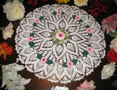 Krone Crochet: Brand new off white (natural white) crochet doily . Thread Crochet, Filet Crochet, Crochet Doilies, Crochet Lace, Centre Table, Crafts To Make, Arts And Crafts, Pineapple Crochet, Runners