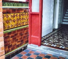 Victorian Minton tiles in the hall, quarry tiles on the porch, glazed tiles on the wall. Victorian Front Doors, Victorian Porch, Victorian Tiles, Antique Tiles, Quarry Tiles, Tiled Hallway, Front Hallway, Entry Hall, Art Deco