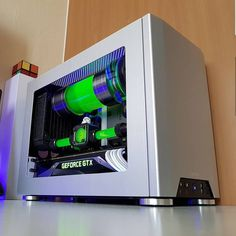 "Polubienia: 571, komentarze: 4 – Salz | new uploads everyday (@pcmodbuilds) na Instagramie: ""Not only is the NCASE M1 one beautiful case.. @bluehandstech makes it even more gorgeous Love…"""