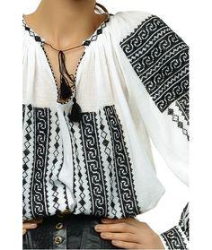 Ie Nationala Traditionala Romaneasca Maneca Lunga Cusuta Manual Motivul Hora Mexican Fashion, Folk Fashion, Ethnic Fashion, Womens Fashion, Bohemian Mode, Boho Gypsy, Bohemian Style, Boho Chic, Costume