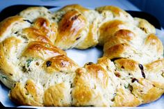 Christmas Bread (with raisins and candied fruits)