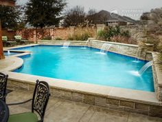Riverbend Sandler Pools offers Geometric Pool Designs Dallas, Frisco and surrounding areas that homeowners can be proud of. Backyard Pool And Spa, Backyard Pool Landscaping, Backyard Pool Designs, Swimming Pools Backyard, Pool Spa, Landscaping Ideas, Small Pool Design, Pool Builders, Dream Pools