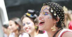 Tocando Beatles em ritmo de marchinha, o bloco Sargento Pimenta desfila em São…