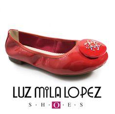 Lo último en moda cuero charolado ultimo en llegar de DICIEMBRE  exclusivo de LUZ MILA LÓPEZ