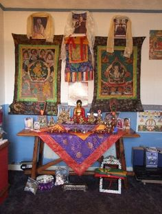 photos of buddhist alters | Buddhist altar | Shrine