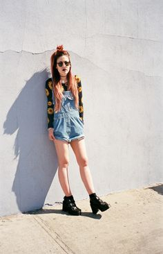 sunflower overalls and boots Grunge Outfits, Grunge Fashion, New Fashion, Shorts, Overalls, Denim Dungarees, Fall Winter Outfits, Summer Outfits, Moda Ulzzang