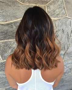 37 Sweet Caramel for 2019 Balayage is an alternative technique to traditional salon highlighting with foils. Your colorist can literally paint highlights precisely where the sun would actually hit your hair. Caramel balayage on black hair can. Brown Hair Balayage, Hair Color Balayage, Hair Highlights, Summer Highlights, Balayage Ombré, Blonde Ombre, Caramel Highlights, Short Balayage, Balayage Hair Caramel