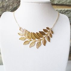 Gold Leaf Necklace. Statement Necklace. Pendant Necklace, Bridesmaid Personalized Gifts, Choker, Wedding Jewelry, Bridal, Holiday gift
