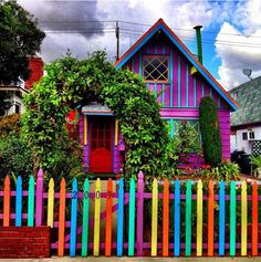 colourful house <3