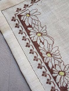 This Pin was discovered by Hül Cross Stitch Boarders, 123 Cross Stitch, Cross Stitch Pillow, Cross Stitch Flowers, Cross Stitch Designs, Cross Stitching, Cross Stitch Embroidery, Cross Stitch Patterns, Cushion Embroidery