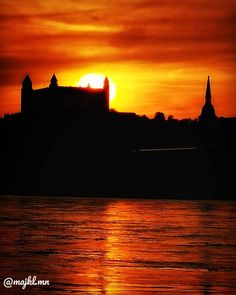 Sunset over Bratislava Castle, Slovakia - Beautiful places for vacation and trip. Best Sunset, Koh Tao, Bratislava, Our World, Scuba Diving, Sunsets, Places To See, Caribbean, Past