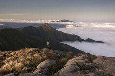 Pico do Itaguaré visto do Pico dos Marins - SP/MG