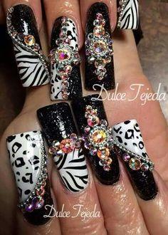 long u think yes :) Bling Nails, Diy Nails, Nail Nail, 3d Nail Art, Nail Art Designs, Acrylic Nails, Finger, Pretty, Beauty