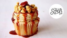 This is a rich, decadent apple pie in a cupcake. It's moist, sweet with a hint of sour from the apples. It's Fall in your mouth! Fruity Cupcakes, Savory Cupcakes, Apple Pie Cupcakes, Pumpkin Spice Cupcakes, Best Dessert Recipes, Cupcake Recipes, Sweet Recipes, Delicious Desserts, Cupcake Cakes