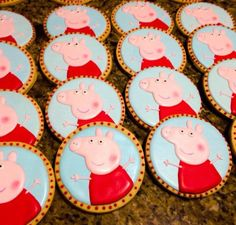 Peppa Pig | Cookie Connection Pig Cupcakes, Pig Cookies, Cookies For Kids, Cupcake Cookies, Sugar Cookies, Birthday Cookies, Pig Birthday, Peppa Pig Cookie, Pig Party