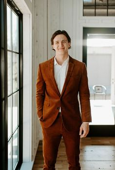 This stylish groom sported a rust colored suit for his wedding day | Image by Peyton Rainey Photography Tweed Wedding Suits, Tuxedo Wedding, Wedding Men, Fall Wedding, Topshop Denim Jacket, Modern Groom, Lace Bridal Robe, Wedding Looks, Wedding Stuff