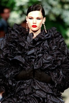 The Saint Laurent Beauty Rules: Tracing the House's Signature Glamour Through the Decades 2000s Fashion, Fashion Show, Women's Fashion, Yves Saint Laurent Paris, French Fashion Designers, Fashion Labels, Mannequins, Ysl, Saints