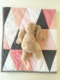 Simple Modern Baby Quilt Patterns Modern Baby Quilts For Sale Modern Baby Quilt Kits Blush Pink Peach Coral Modern Baby Quilt Ombre By Wilderandbean Quilt Baby, Cot Quilt, Baby Girl Quilts, Girls Quilts, Modern Baby Quilts, Quilting Projects, Sewing Projects, Sewing Ideas, Coral Nursery