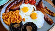 café da manhã inglês Sausage, Eggs, Meat, Breakfast, Food, Grilled Tomatoes, Scrambled Eggs, Continental Breakfast, American Breakfast