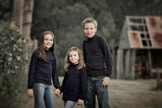 Tips for Creating Outdoor Portraits … - Photography Subjects Photography Guide, Photography Tutorials, Portrait Photography, Nature Photography, Learn Photography, Outdoor Photography, Classic Portraits, Family Portraits, Family Photos
