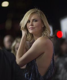 Charlize Theron Beautiful Celebrities, Most Beautiful Women, Beautiful Actresses, Charlize Theron, Hollywood Celebrities, Hollywood Actresses, African Actresses, Sophia Loren Images, Portraits