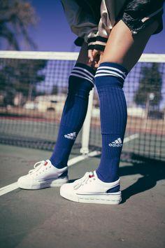 Adidas knee socks and platform sneakers | @hannahoverbeek