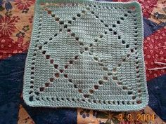Bobby's Square, free 12-inch filet square pattern. Worsted weight yarn, hook size 'G', done in all DC. . . . . ღTrish W ~ http://www.pinterest.com/trishw/ . . . . #crochet #filet_crochet #motif