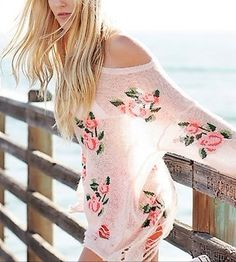 One size fits most, baggy sweater, fits best on XS-L Wildfox Couture Inspired, but theirs is 340 dollars. Baggy Sweaters, Casual Sweaters, Punk Fashion, Cheap Fashion, Floral Sweater, Summer Lookbook, Weekend Wear, Passion For Fashion, Cute Outfits