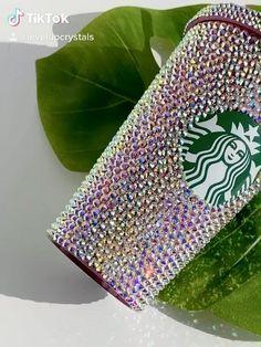 Rhinestone Crafts, Crystal Rhinestone, Swarovski Crystals, Iced Coffee Cup, Personalized Starbucks Cup, Business Ideas, New Product, Tumbler, Diy Ideas