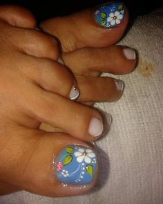 Pedicura Toenail Art Designs, Flower Nail Designs, Pedicure Designs, Pedicure Nail Art, Diy Nail Designs, Colorful Nail Designs, Toe Nail Art, Manicure, Shellac Nail Colors
